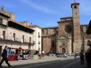 Catedral y Casa de la Contaduría.